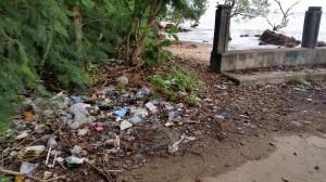 Abfall am Strand von Ko Lanta - Thailand